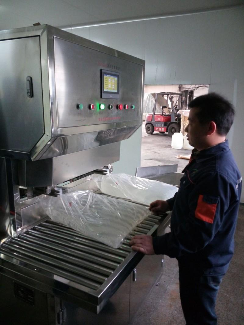麦芽糖浆软包装灌装机